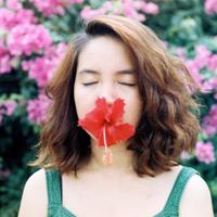 欧美风格鲜花与美女高清图片大全集 爱过的人都会懂心痛