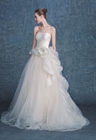 qq女生婚纱皮肤背景 她将是你的新娘