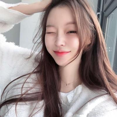 2019韩国微信小姐姐女生头像 超有气质的网红女头像