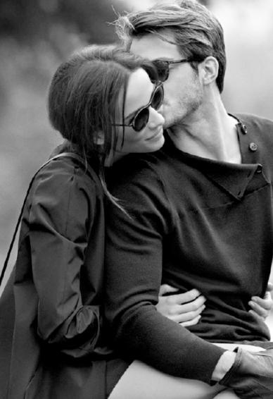 欧美情侣手机壁纸高清黑白 与你相关皆是浪漫