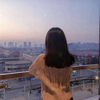2021真人背影情侣头像一人一张 喜欢你就像心里住了星星