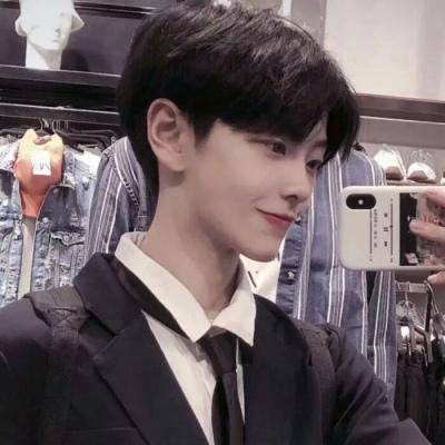 2021一组神仙颜值的男生帅气头像 每天能有那么几分钟是真的开心就好