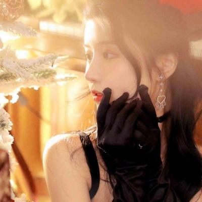 一组多人系列的圣诞节闺蜜头像大全-云奇网