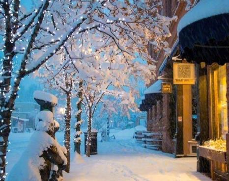 关于下雪的唯美短句抖音大全