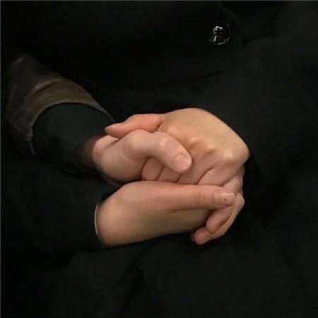 520情侣手牵手图片素材2020_唯美创意情侣牵手图片-豪情云天 - 豪情云天网