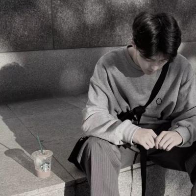 伤感男生头像孤独有气质 本就无心何来伤心