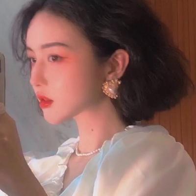最热港风好看的女生QQ头像 心怀明朗会有温柔的东西主动靠近