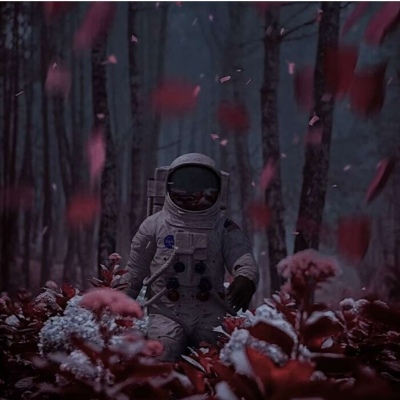 最火太空人浪漫的QQ微信头像 把你归还给人海是清醒也是知趣