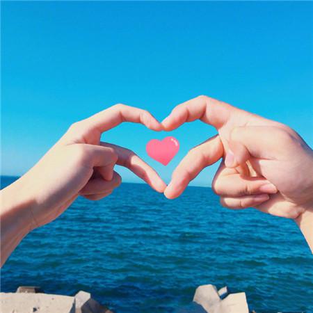 情侣旅游双人手势图片 拍照一定要学的手势