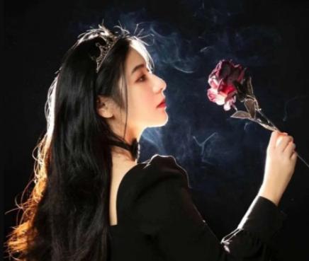 最新最新版的高雅霸气女生网名 个性昵称超拽霸气冷酷【精选】