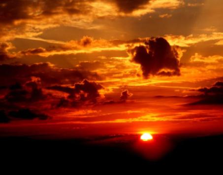 陪自己爱的人看落日余晖的说说大全-云奇网