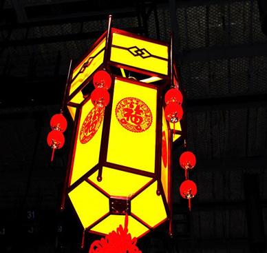 新年挂灯笼怎么发朋友圈大全-云奇网