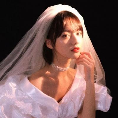 2021绝美复古的婚纱系列女生头像大全 没意义的事和人就不要再遇见了