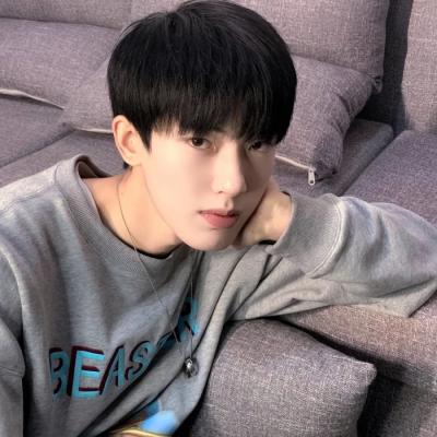 2021文艺范很帅气的男生头像 真实且温和现实而不世故