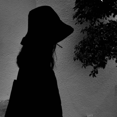女生心情不好的丧系陌陌伤感头像合集 很颓废的时候用的头像