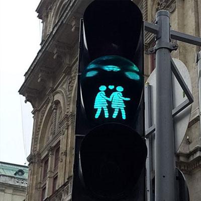 浪漫的红绿灯很唯美的爱情背景图 是真的熟悉也是真的止步于此就到这里