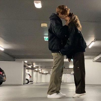 情侣接吻背景图真人超级幸福 不管遇到什么事情也别忘了按时吃饭
