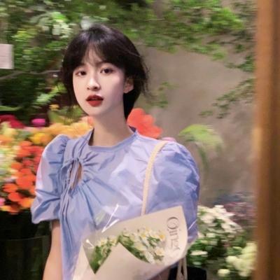 很唯美小众日系风格的意境美女头像 喜欢是毫无理由的护短和潜意识的偏爱