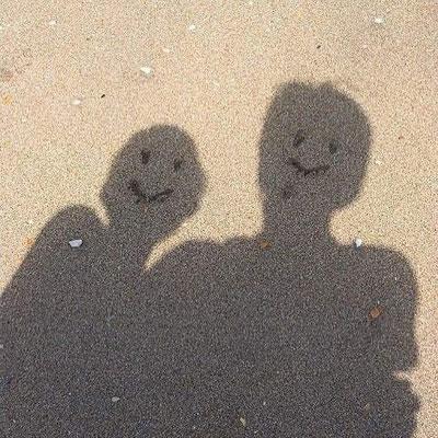 微笑笑脸可爱的朋友圈背景图 笑一笑生活没什么大不了