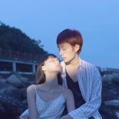 2021情侣头像一男一女情头可爱甜蜜 其实能遇见就都不算晚