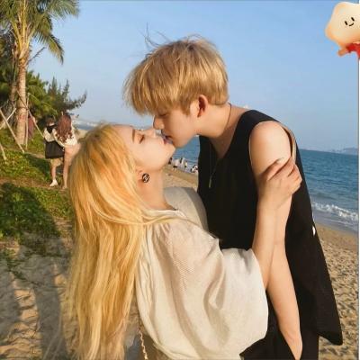 双人成熟甜蜜又超级个性的情侣头像大全 花会重新开不同的夏天来了又来