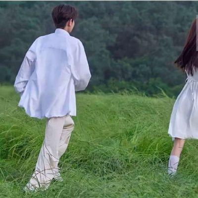 恩爱治愈系的好看情侣头像大全_活的太清醒本身就不是件浪漫的事